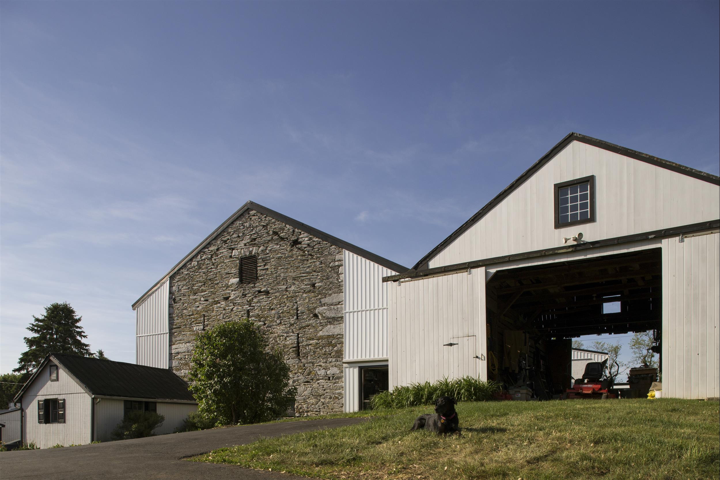 exterior-barn-on-grounds.jpg